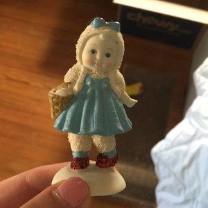 Wizard of Oz Dorothy snow babies figurine